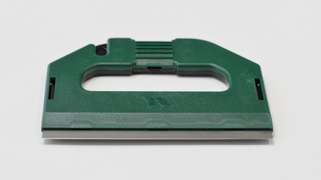 ナルビーの大型スクレーパー、S-PRO スクレーパーの定番色とも言えるグリーン